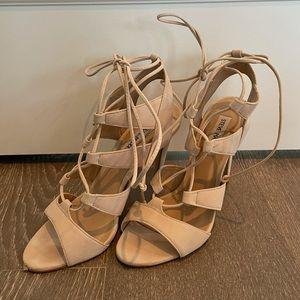 STEVE MADDEN nude sandalia suede lace up sandals